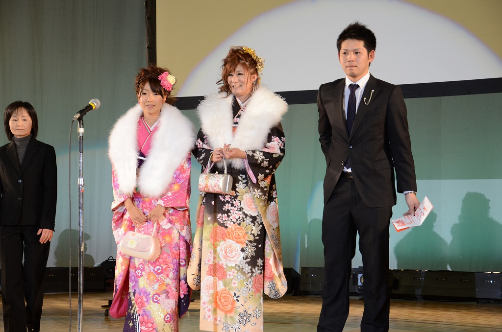 http://www.hakodate20.com/image/120109seijinsai_10_3.jpg