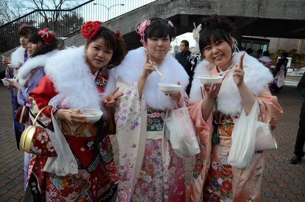 http://www.hakodate20.com/image/120109seijinsai_6_2.jpg