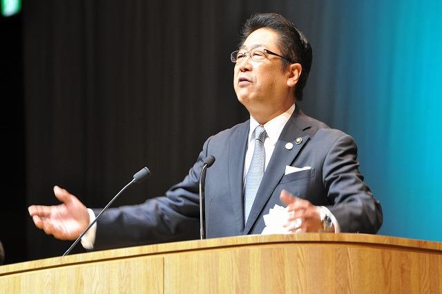 http://www.hakodate20.com/image/160111seijinsai054.jpg